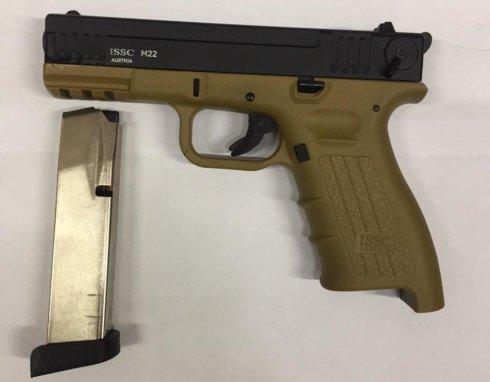 Пистолет ISSC M22 к. 10ТК, черный/песочный